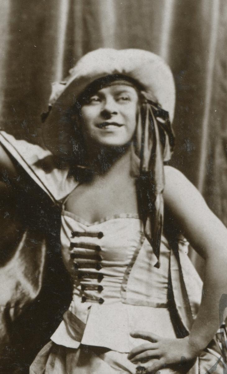 Daphne Pollard UK003