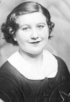 Jo Mostyn 19351