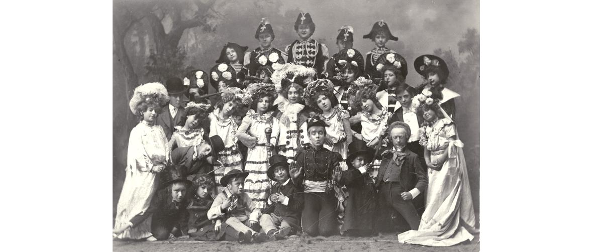 Pollards c 1903